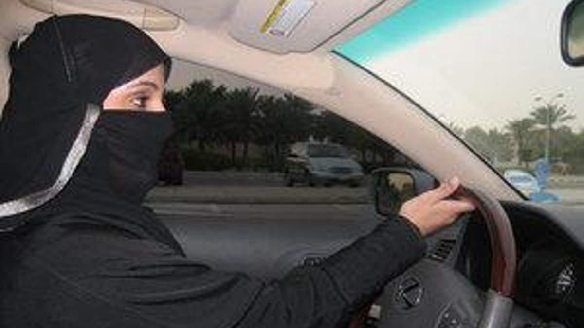 Саудовская Аравия: женщины требуют разрешить им водить авто