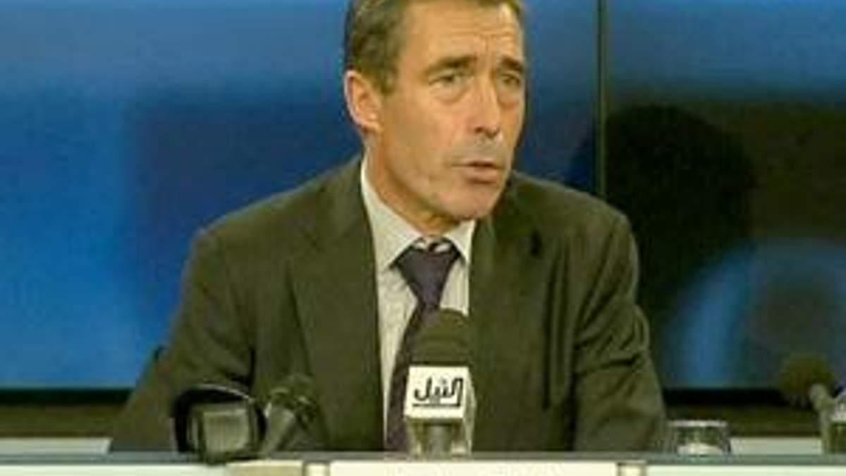 Расмуссен: НАТО перебуватиме у Лівії допоки у цьому буде необхідність
