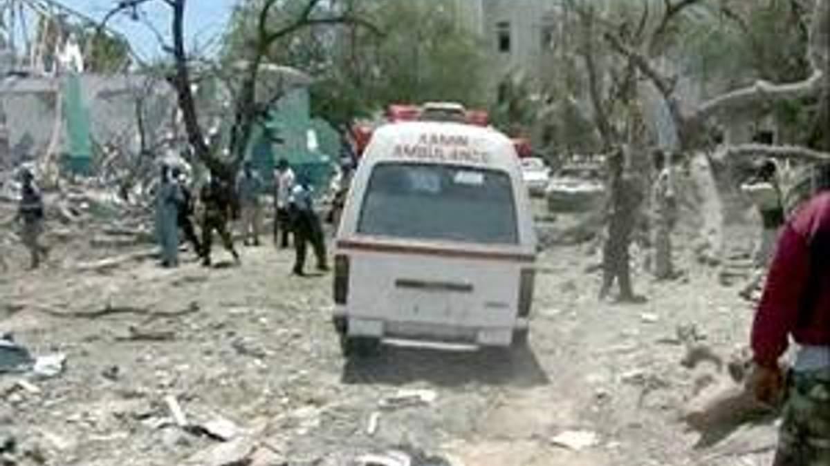 """Ответственность за теракт в Сомали взяла на себя группировка """"Аш-Шабаб"""""""