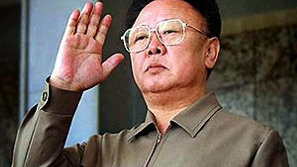 Ким Чен Ир посмертно стал Героем