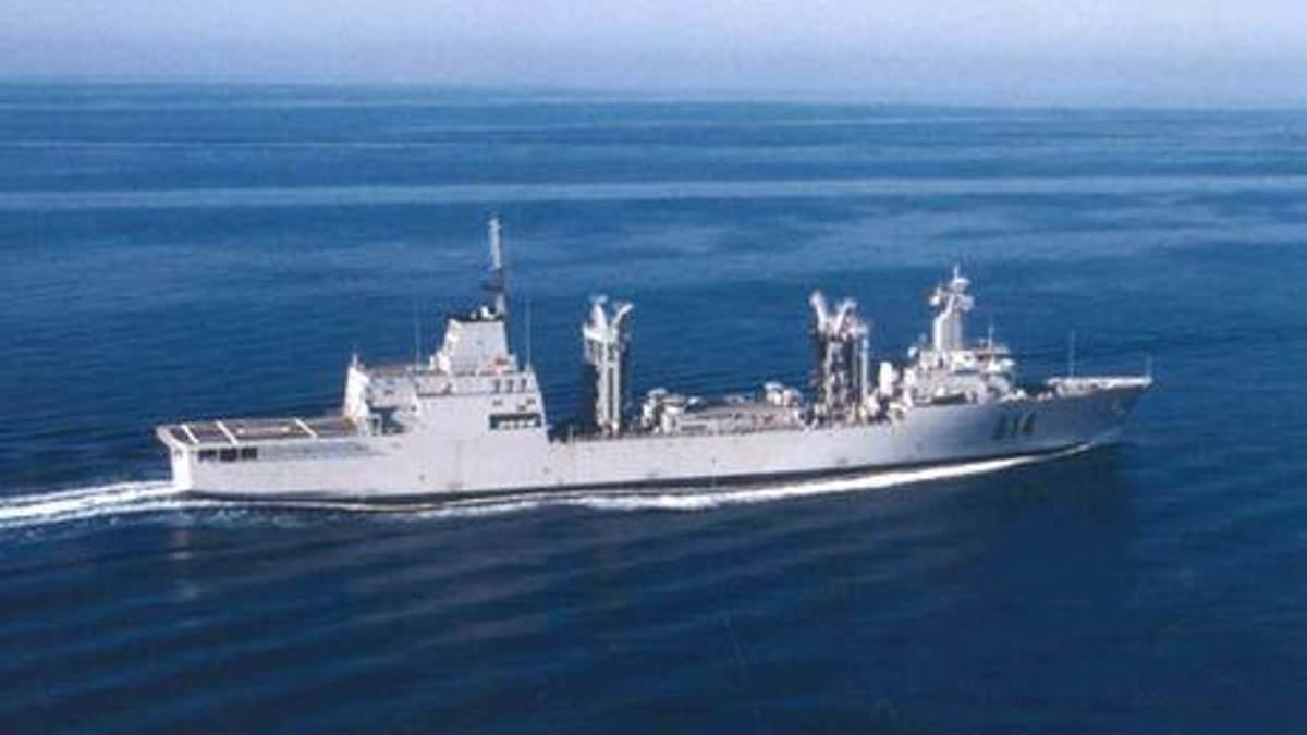Сомалийские пираты напали на военный корабль, перепутав его с грузовым