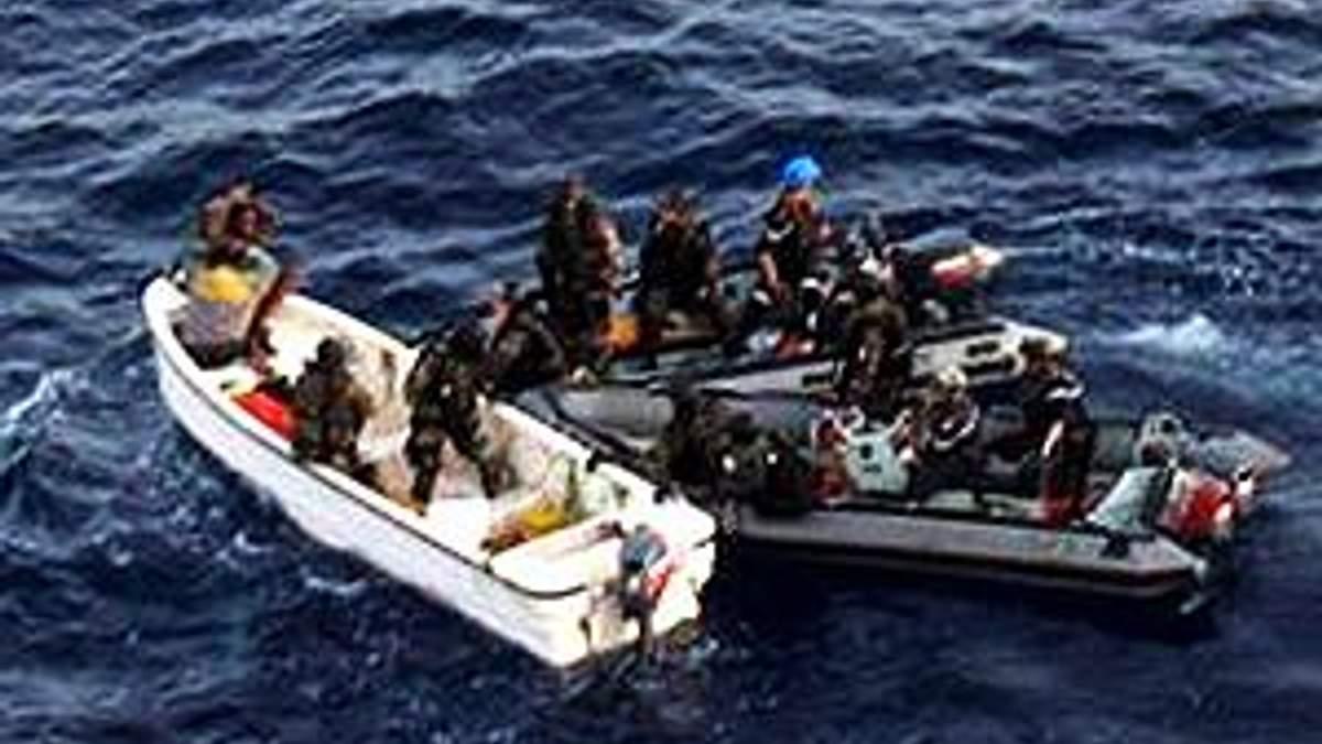Американские и британские морские пехотинцы задержали сомалийских пиратов