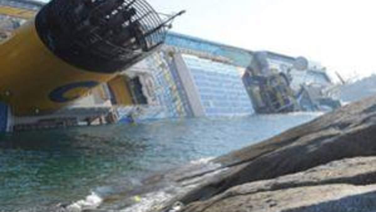 """Пасажирам """"Costa Concordia"""" запропонували 30-відсоткову знижку на майбутні круїзи"""