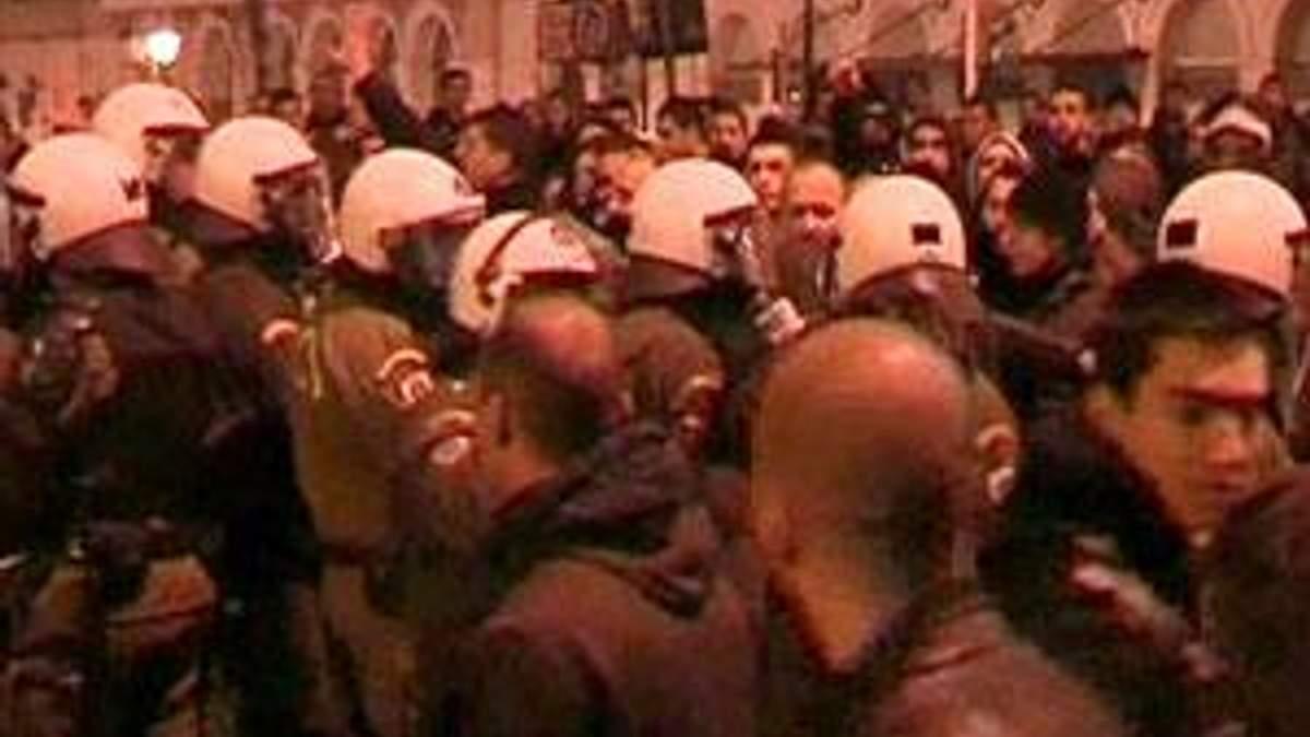 В Афінах близько 140 людей були затримані за участь у масових безладах