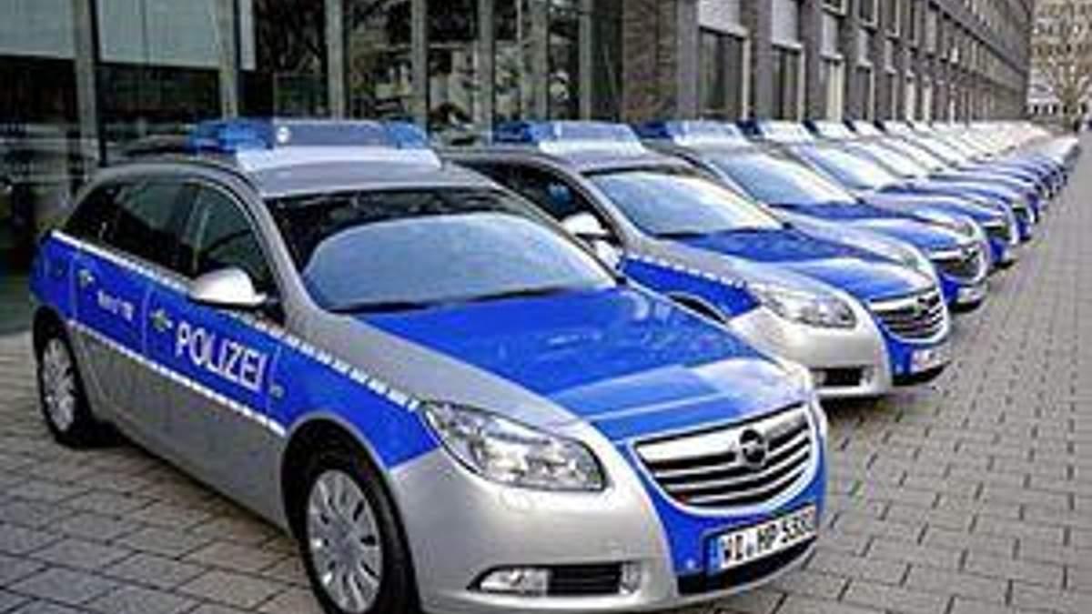 Німецькі поліцейські не помістились у нові авто