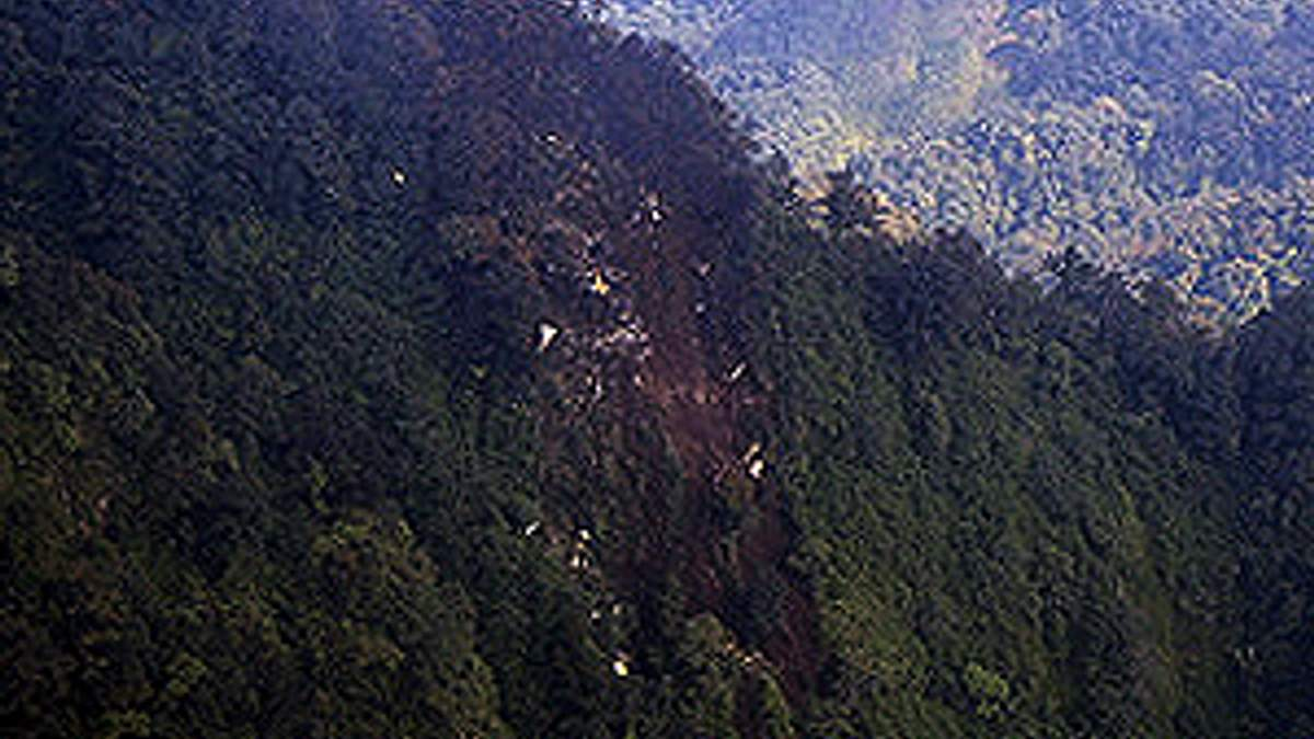 Катастрофа SSJ-100: Знайшли тіла загиблих