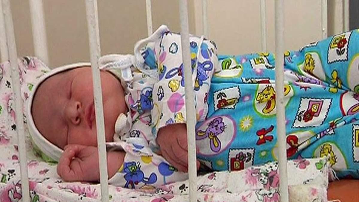У Маріуполі 20-річна жінка народила хлопчика вагою 6 кг