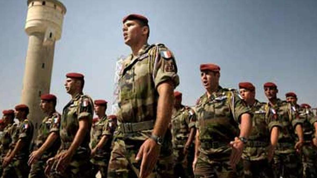 Франція не заперечує можливість військового вторгнення в Малі