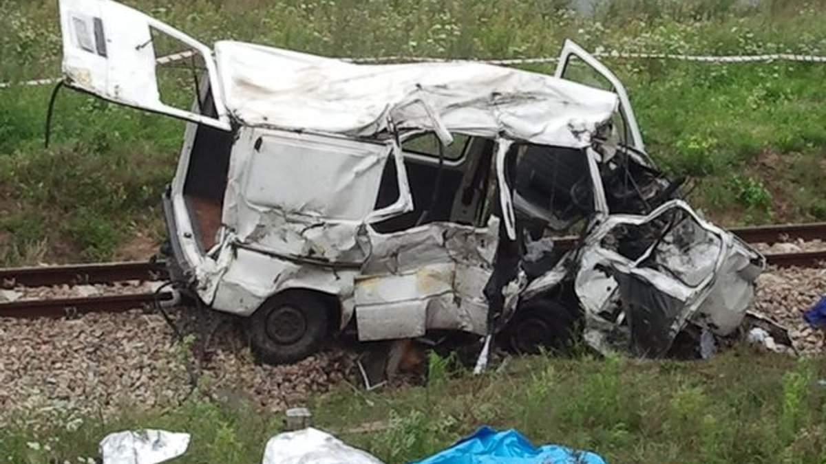 Посольство: загиблі в ДТП під Лодзем українці працювали легально