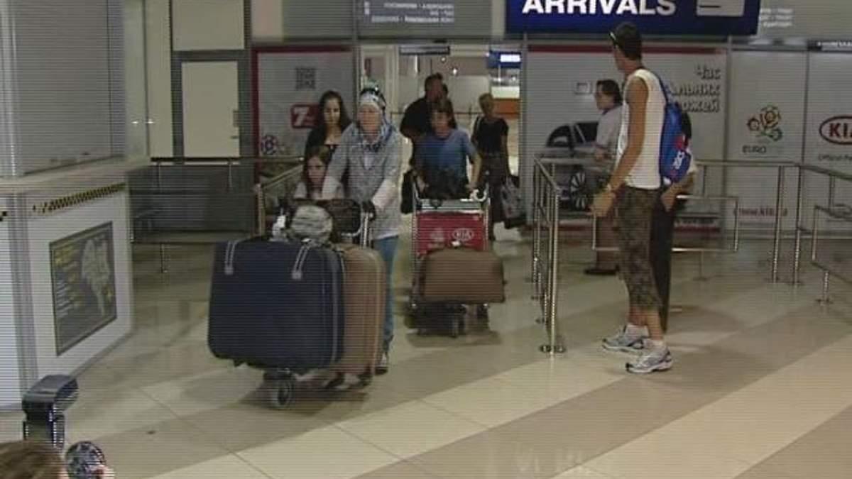 До Києва прибули 45 українців, яких евакуювали з Сирії
