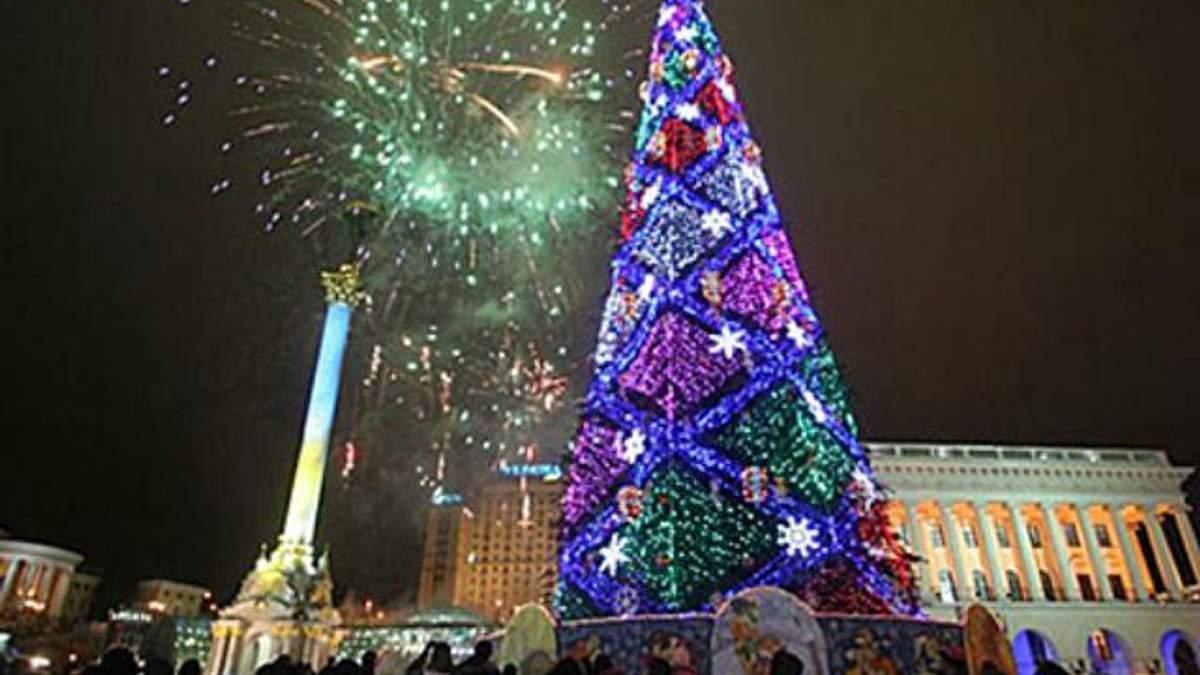 У Києві вже почали збирати головну новорічну ялинку