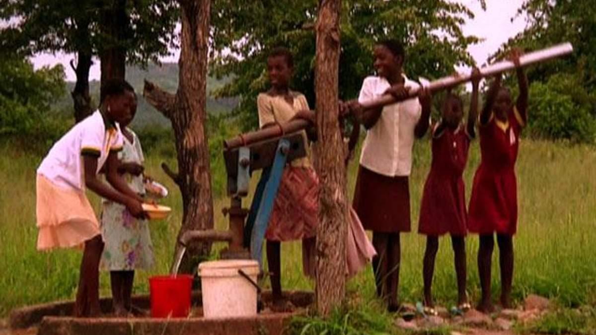Зімбабве: труднощі впереміш з танцями