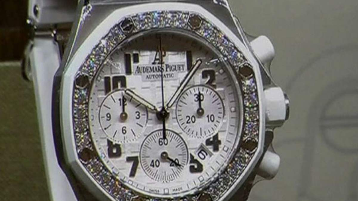 Цьогоріч годинники з відкритим циферблатом - тренд