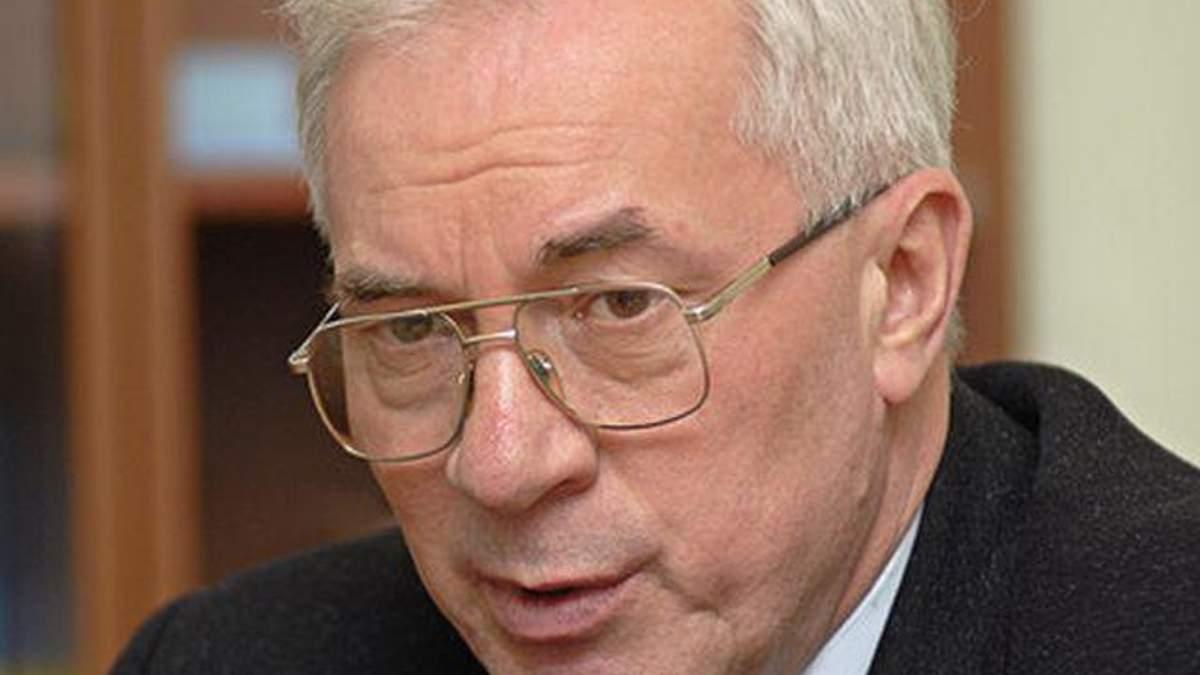 """Азаров розкритикував недоліки """"швидкої"""" допомоги"""