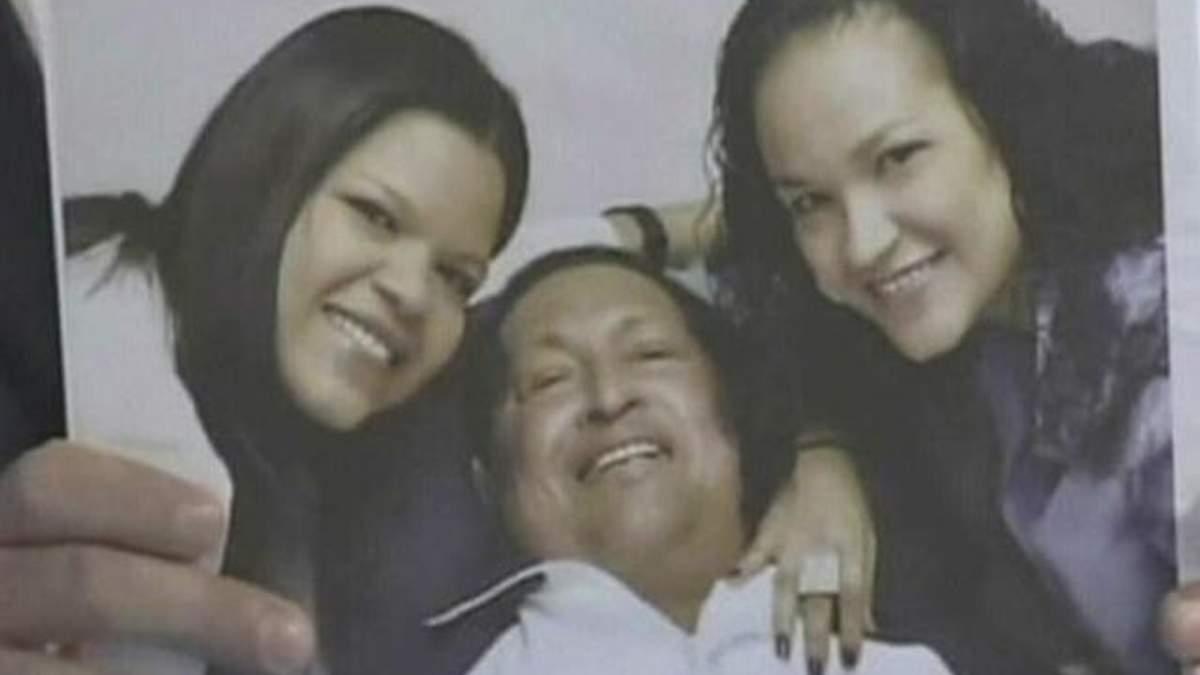 Обнародовали первые фото Уго Чавеса после очередной операции