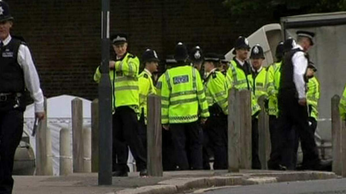 Лондонская полиция задержала 4 человек по делу об убийстве военного