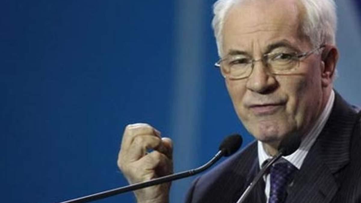 Азаров пояснює, що Україна розвивається завдяки політичній стабільності