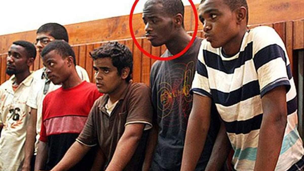 Работники тюрьмы выбили зубы Адеболаджо, - брат осужденного