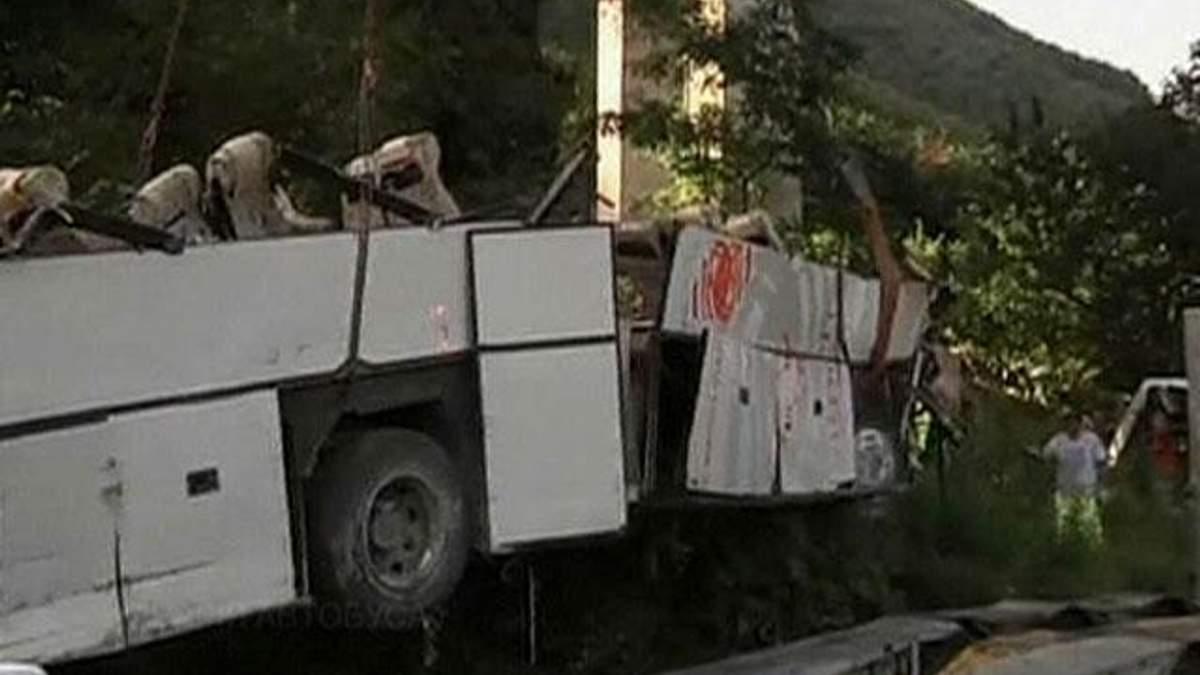 Авария автобуса в Италии могла произойти из-за шины, которая лопнула