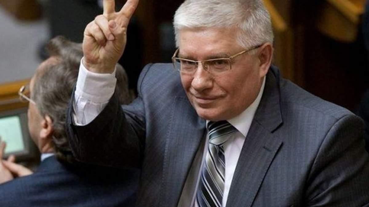 Под флагом неонацизма, антисемитизма и расизма Украина не войдет в Европу, - Чечетов