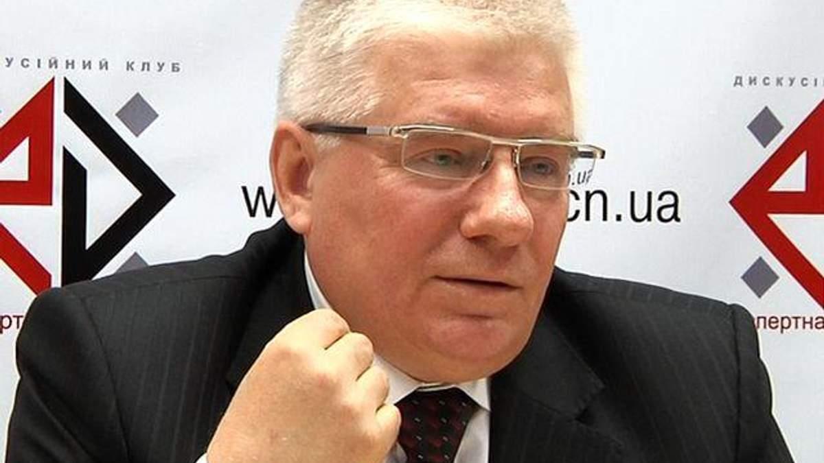 Если Тимошенко выйдет, то сотрет Яценюка в пыль, – Чечетов
