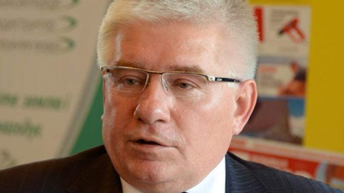 Виноваты те, кто не позволил установить елку и каток, - Чечетов о подавлении Майдана