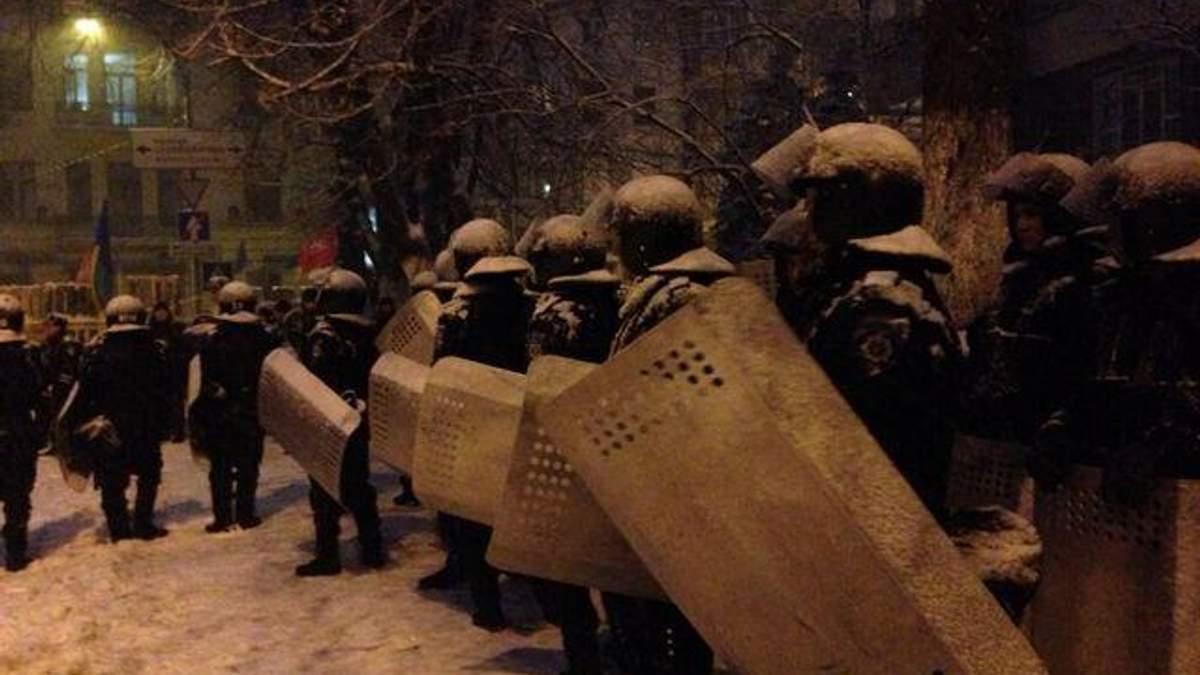 Янукович має піти у відставку, — Freedom House