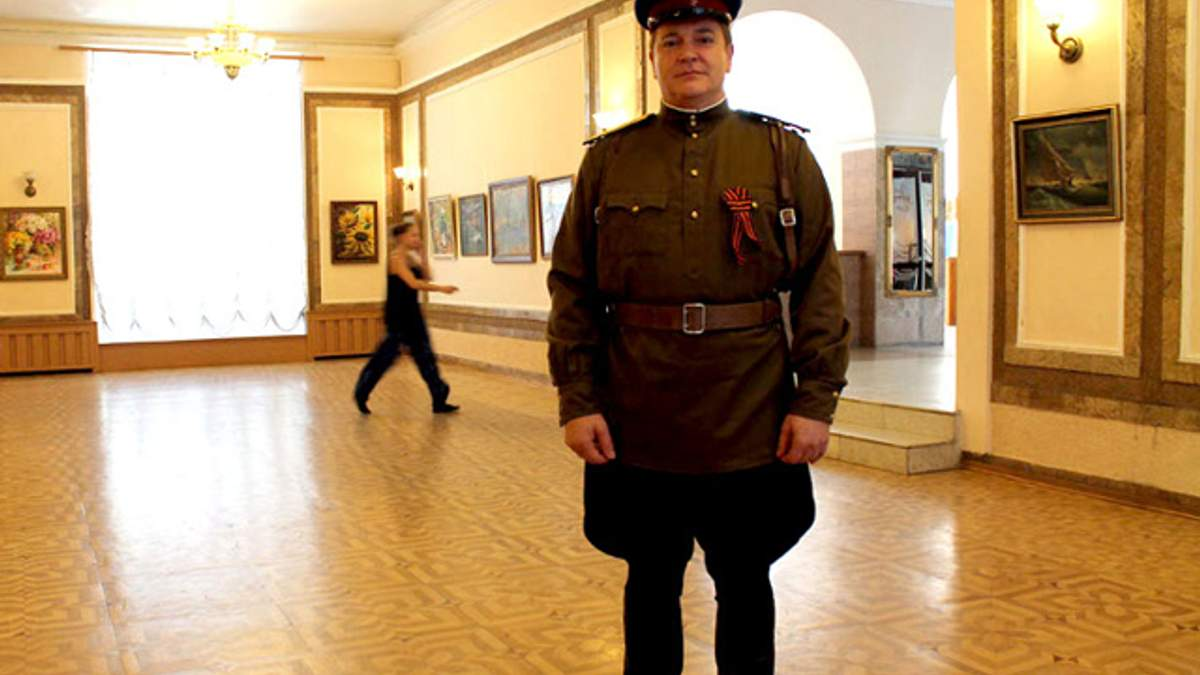 На Євромайдані починають домінувати печерний націоналізм і елементи нацизму, - Колесніченко