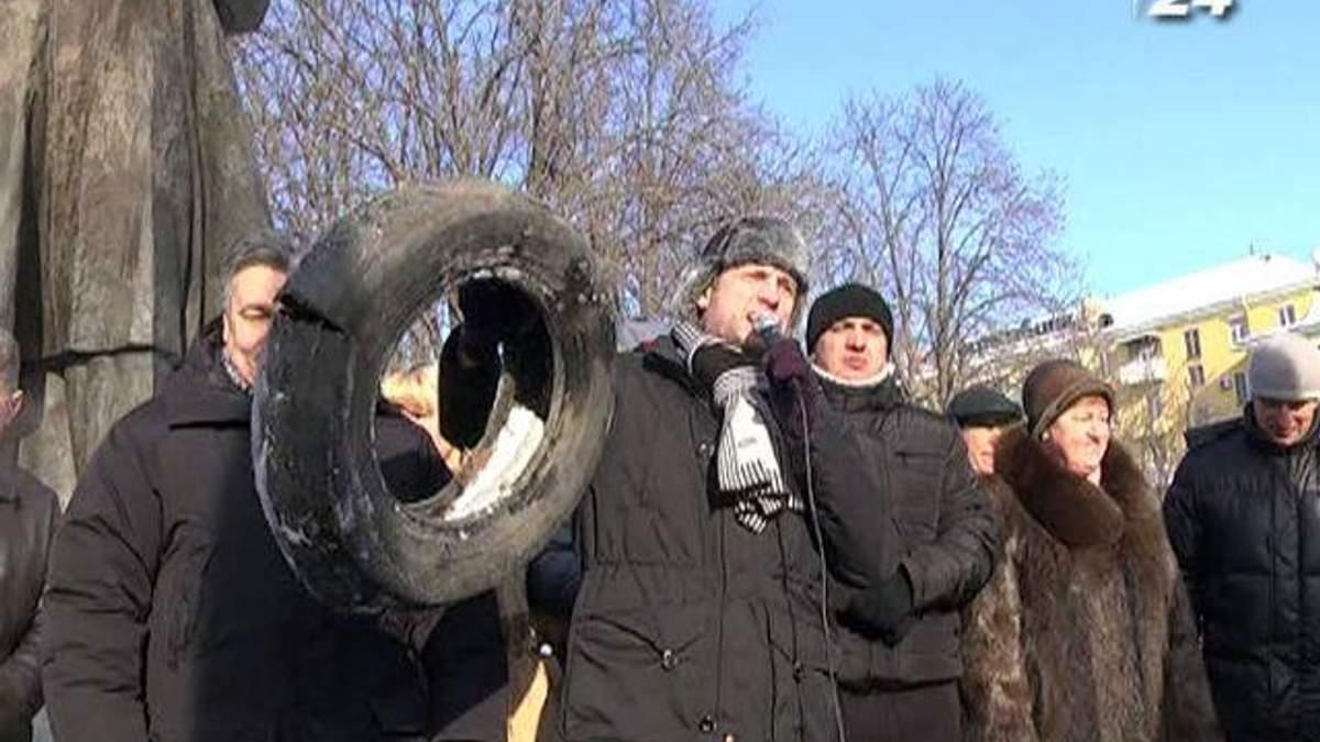Луганську ОДА від штурму захищають донські козаки