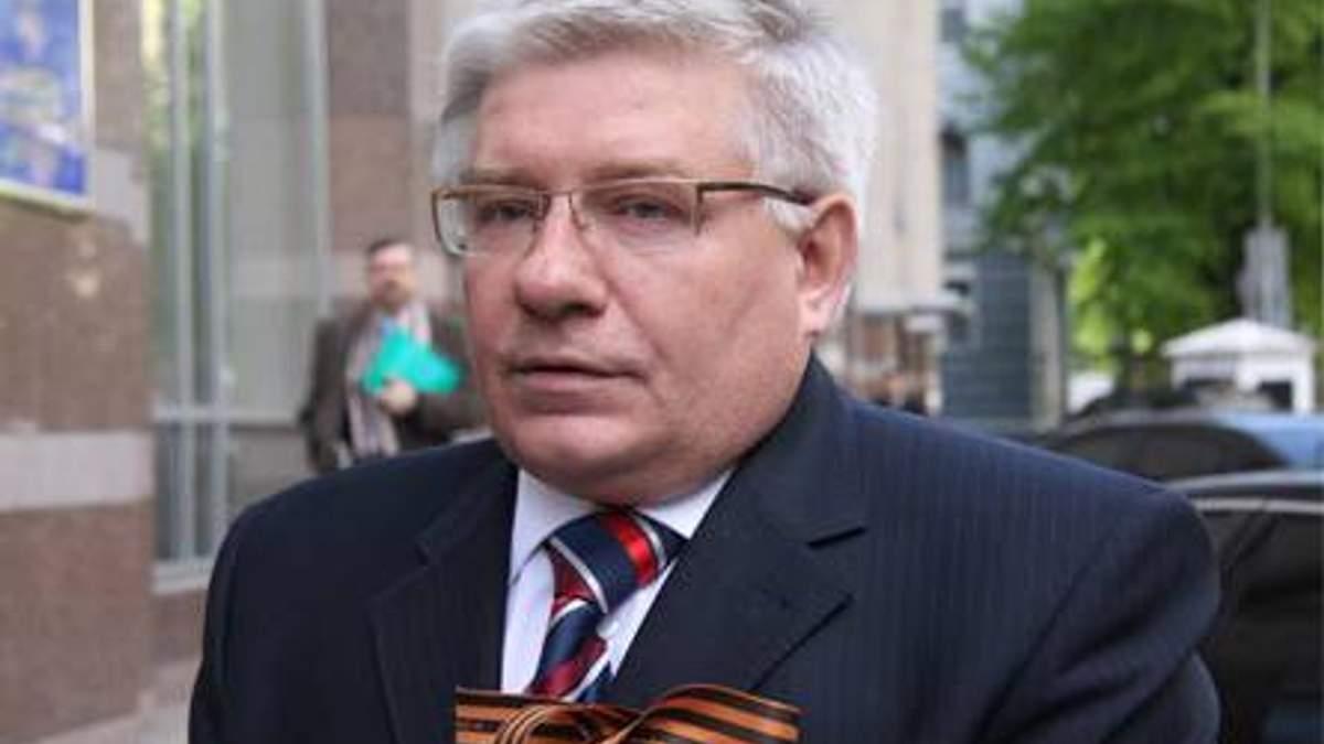 Партия регионов готова голосовать за отставку Азарова, - Чечетов