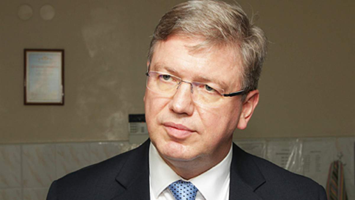 Фюле відвідав в лікарні правоохоронців, які постраждали на Грушевського (Фото)