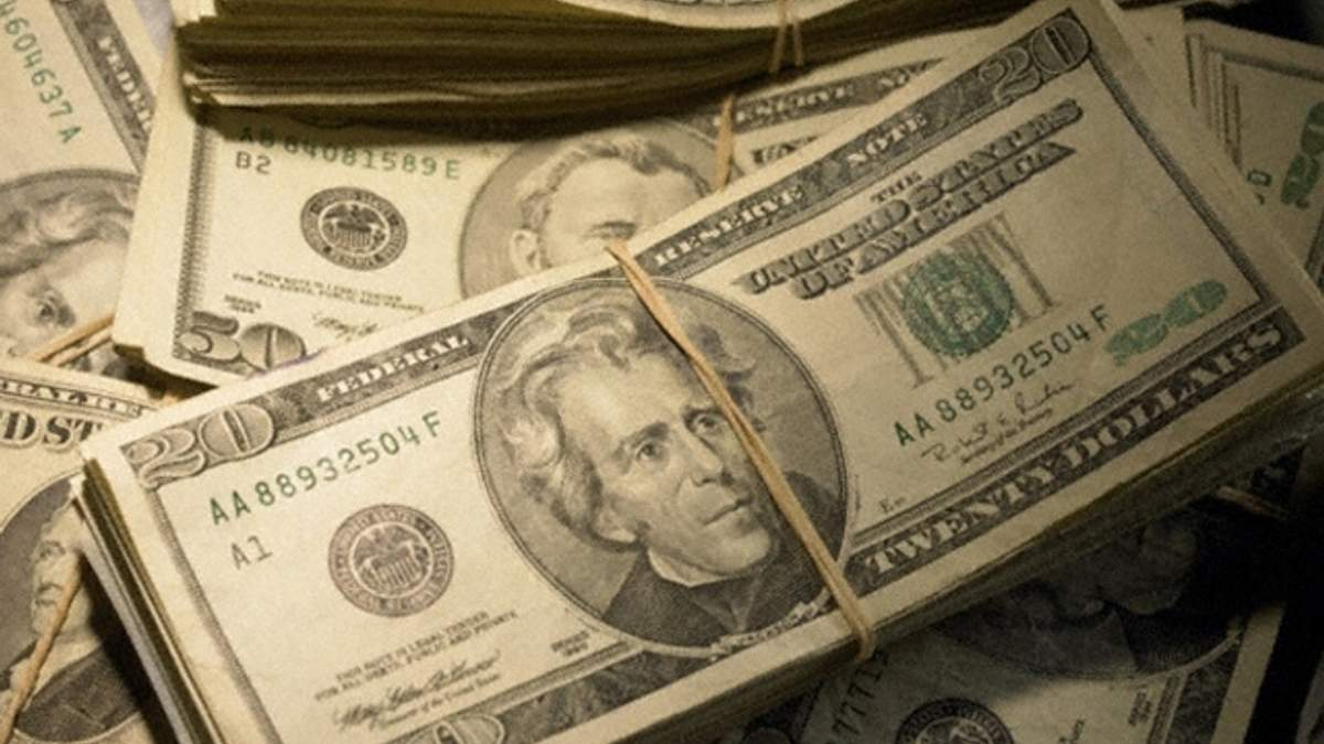 Долар на міжбанку б'є рекорди - 12,15 гривень