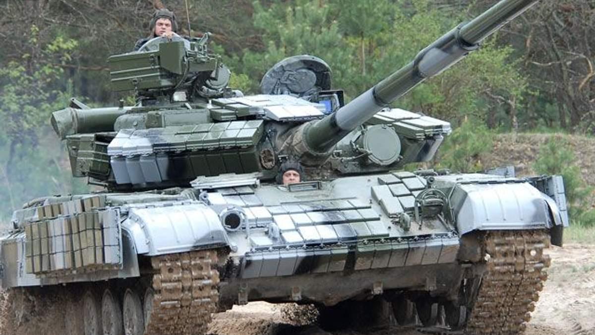 В Луганськ увійшла бронетехніка бойовиків