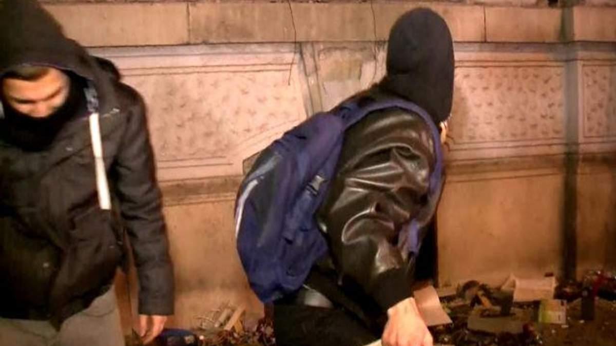 Многотысячные протесты в Будапеште переросли в массовые беспорядки (Видео)