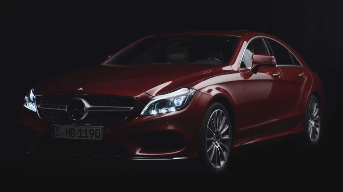 """Volkswagen представив спортивний універсал, Mercedes анонсував """"розумні"""" фари"""