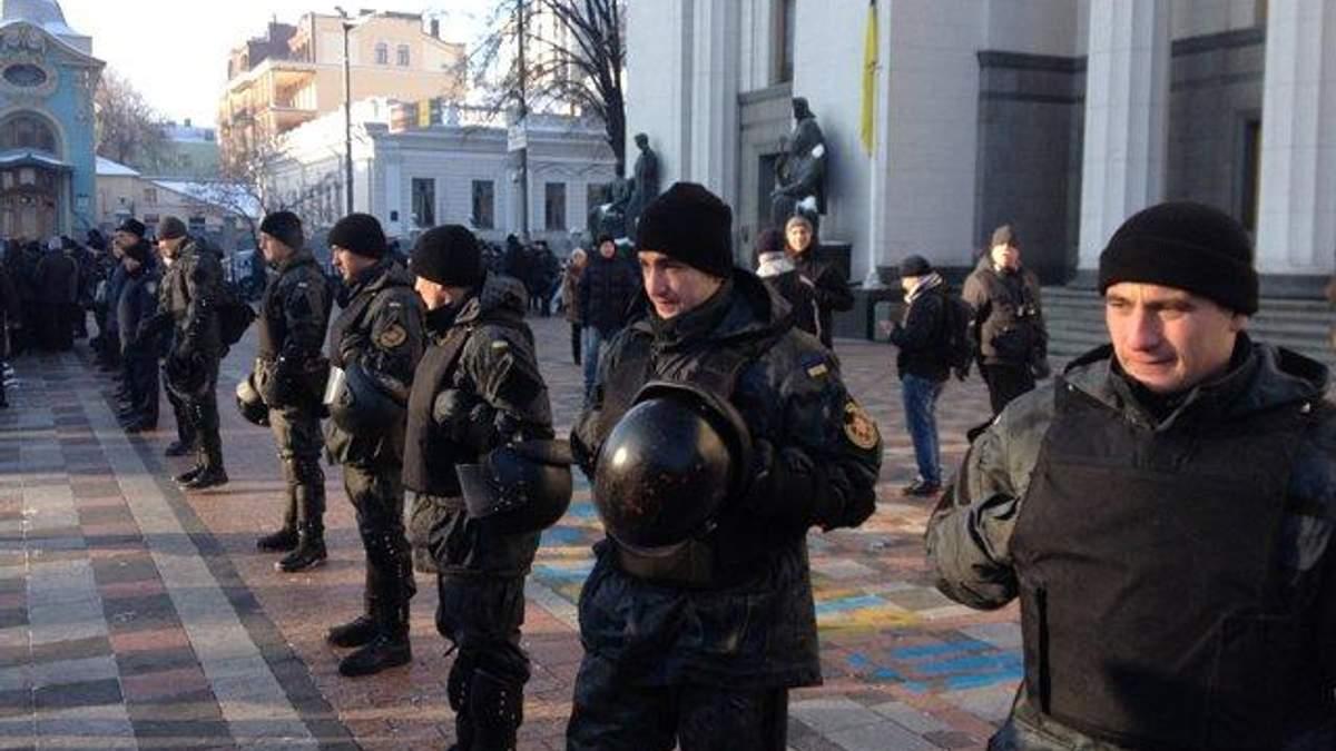 Ярош підготував заяву, щоб міліція перестала охороняти Раду, — Філатов