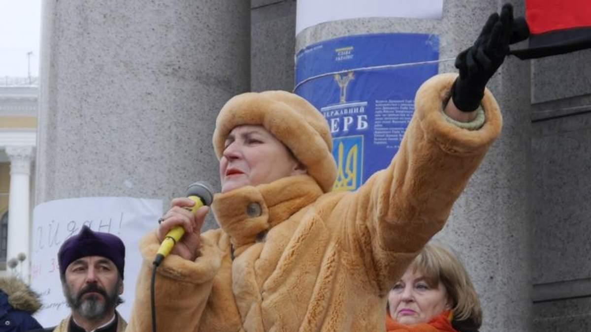 Пожалуй, надо поворачивать стрелки и пулеметы против штабов и лжецов, — Нина Матвиенко