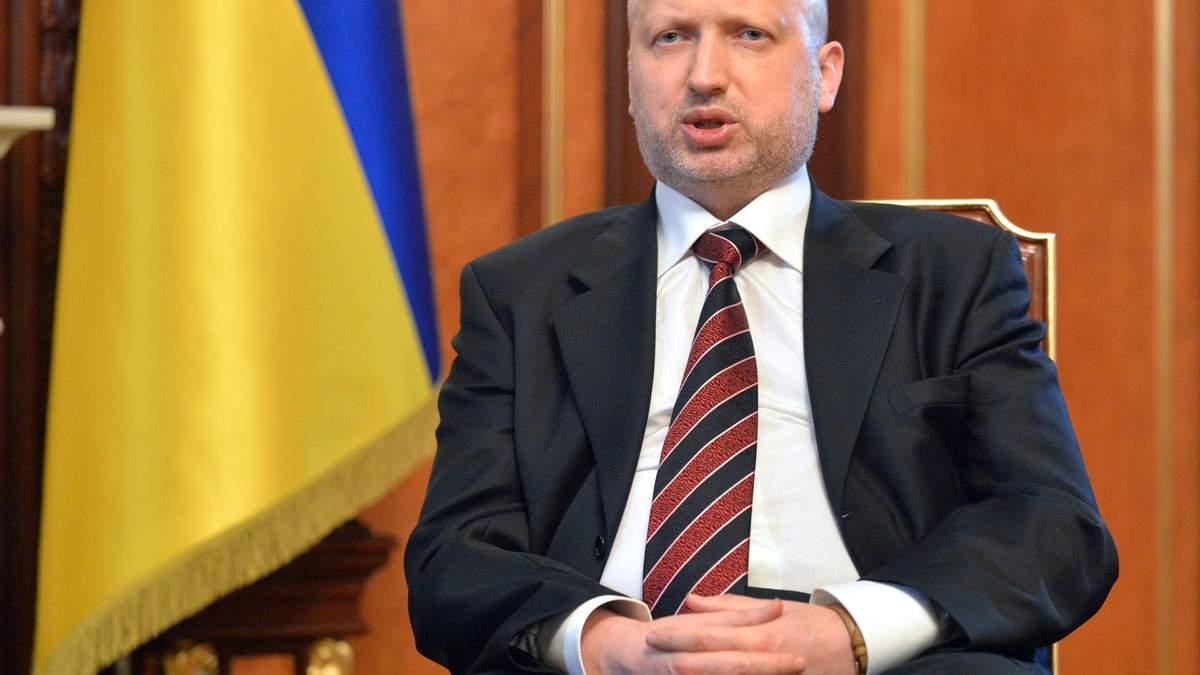 Турчинов запевнив, що бойовики не зможуть прорватися у Маріуполь
