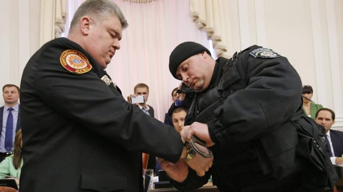 Эксперт: Задержание Бочковского – это пока только красивый видеоряд