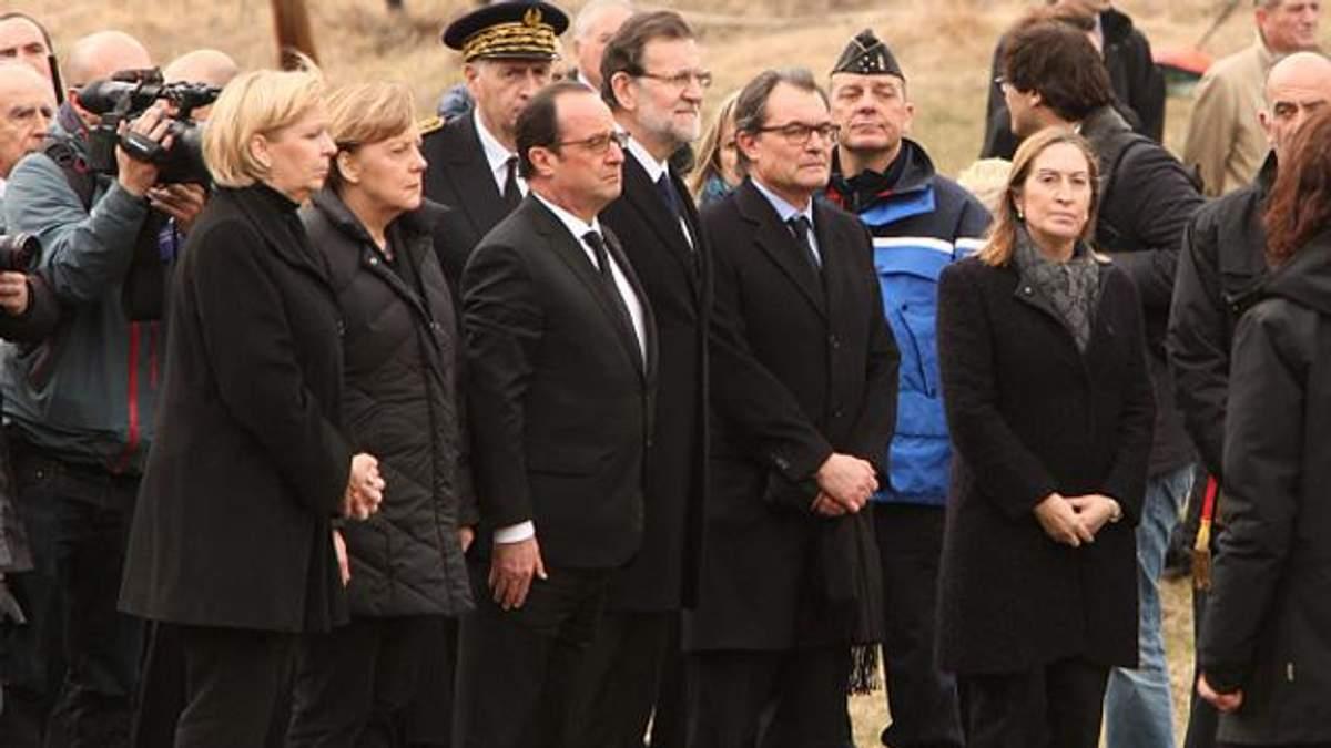 В катастрофе Airbus погибли граждане 15 стран, — Олланд