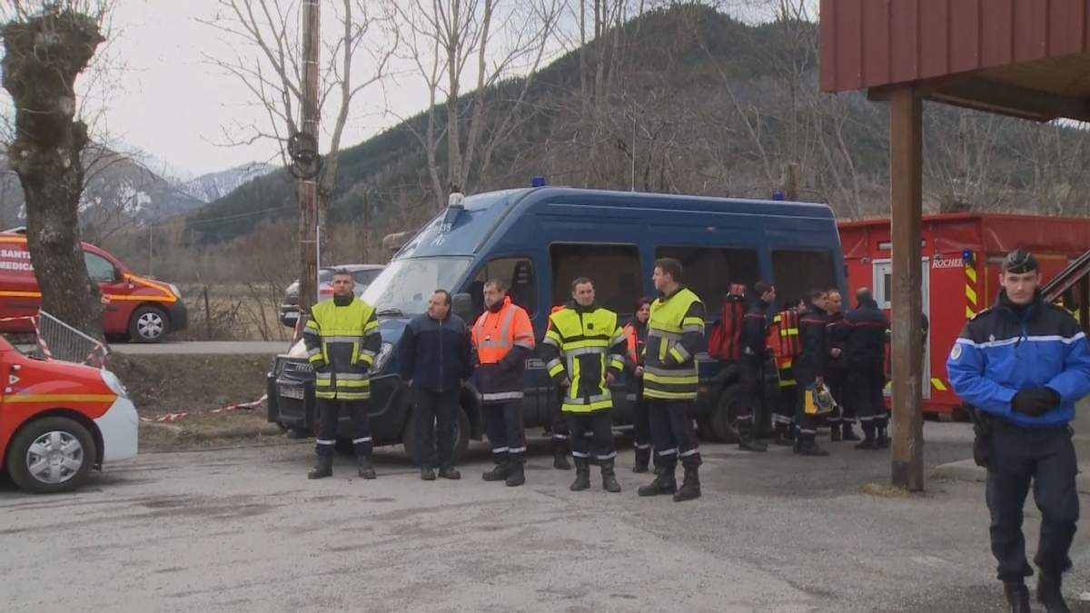 Поиск тел погибших в результате авикатарстрофы в Альпах может затянуться на недели