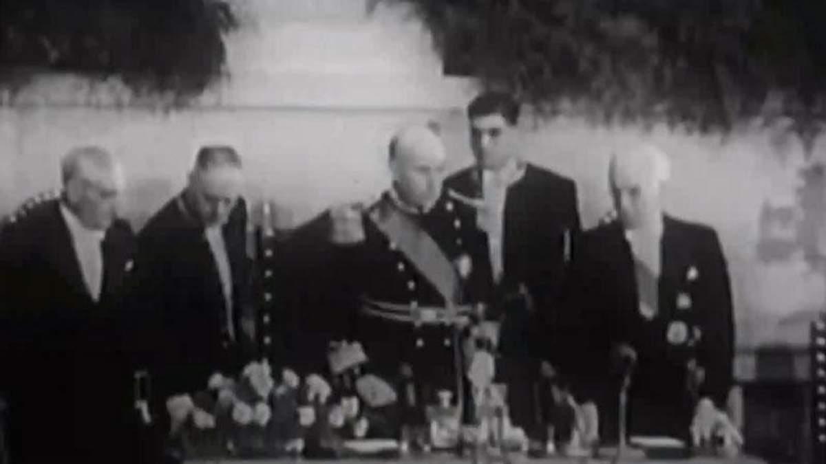 День в истории. 41 год назад был свергнут последний диктаторский режим Европы