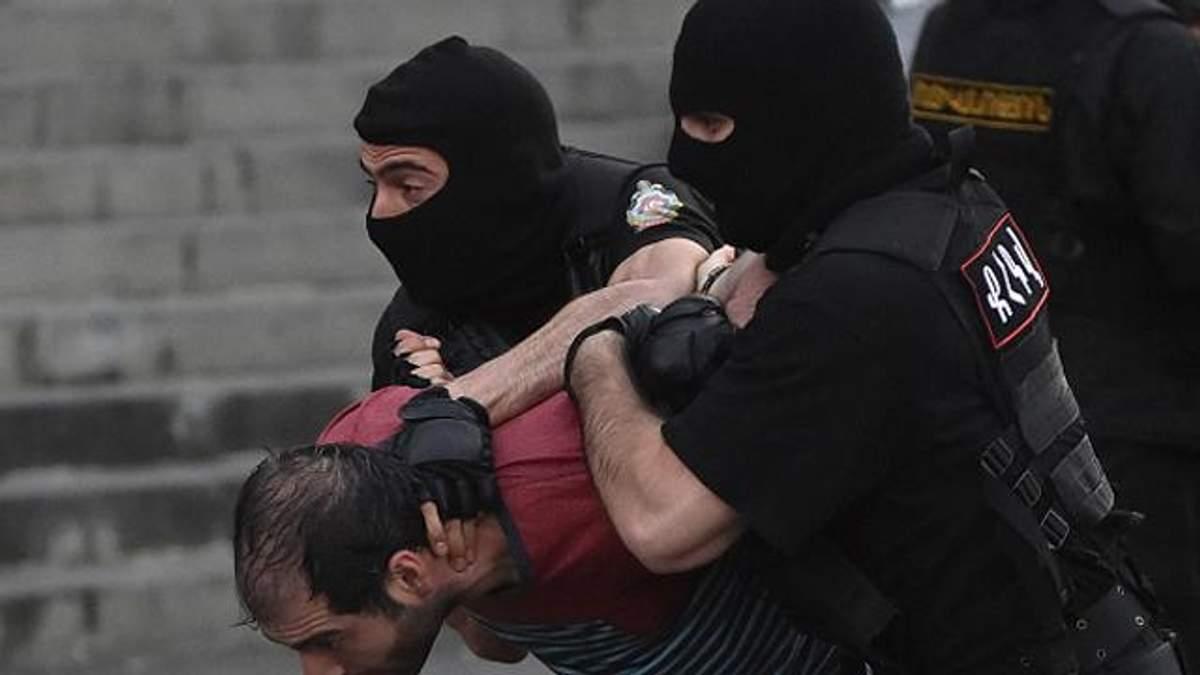 Вірменська поліція відпустила більше двох сотень демонстрантів