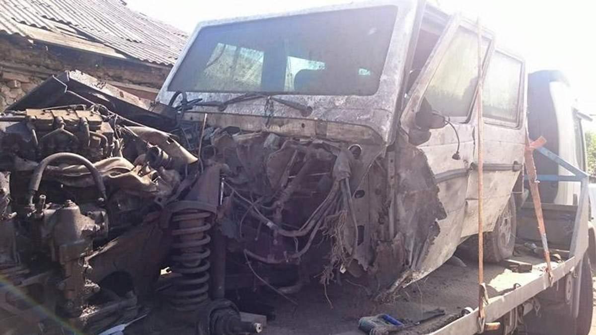 Фото дня: автомобиль, который спас жизнь героям в АТО