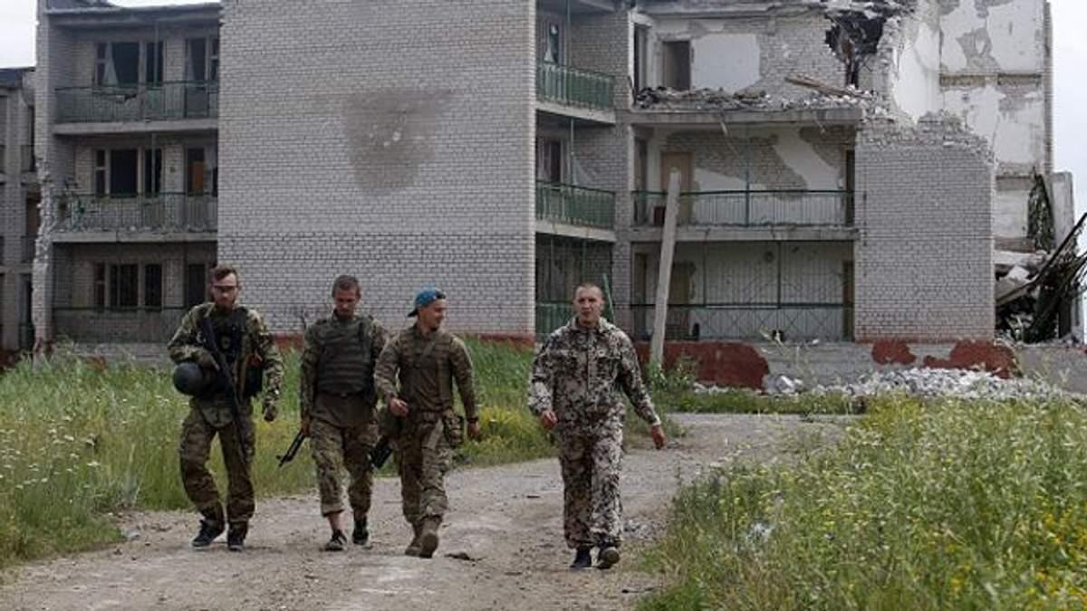4 военнослужащих ранены вблизи Донецка и Горловки