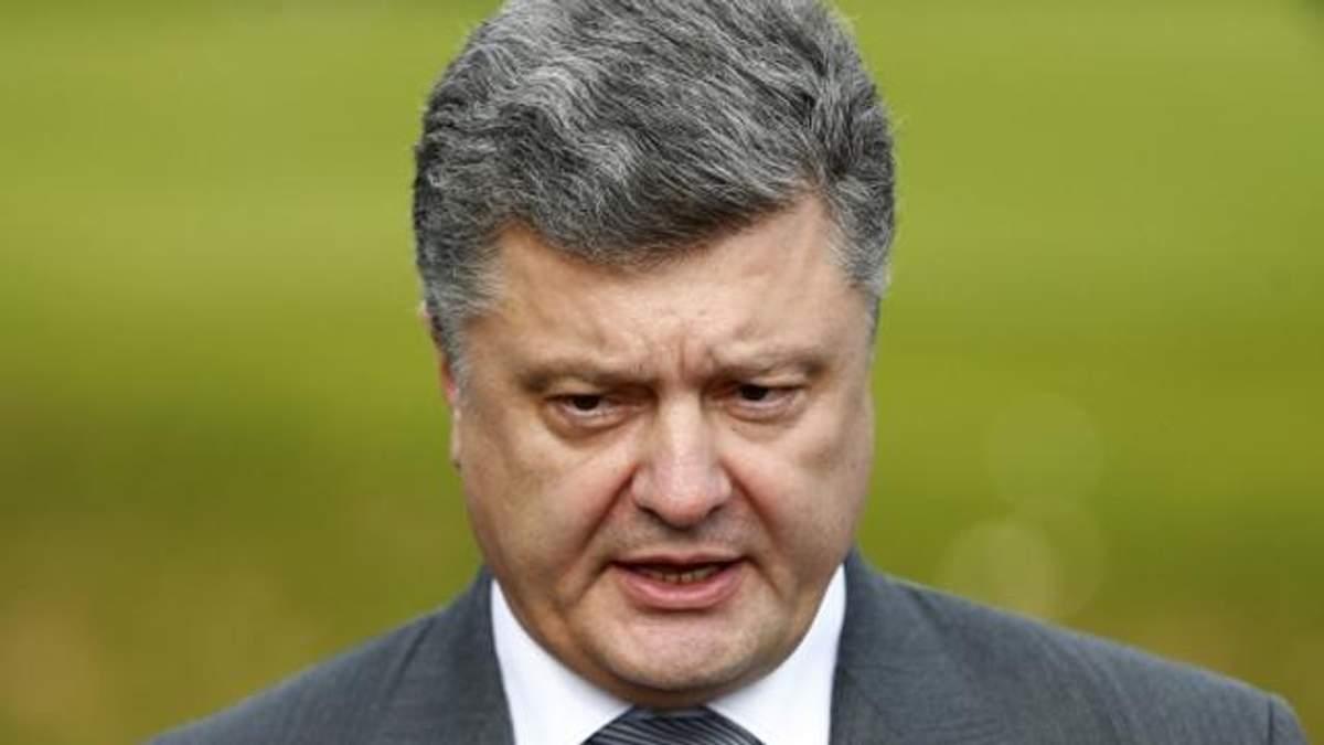Порошенко каже, що депутати його розчарували і натякнув, що заветує закон про кредити