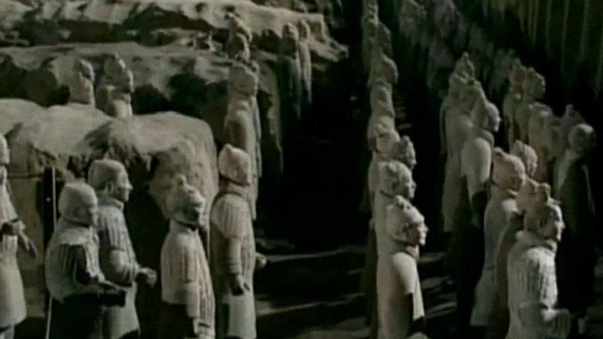 8 тисяч солдатів глиняної армії знайшли у Китаї 40 років тому