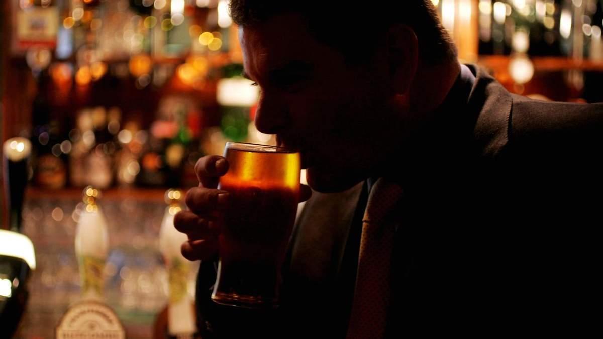 Сьогодні в Україні подорожчає алкоголь