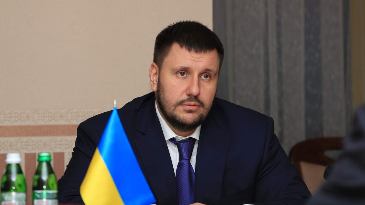Патриарх Кирилл наградил одиозного министра времен Януковича