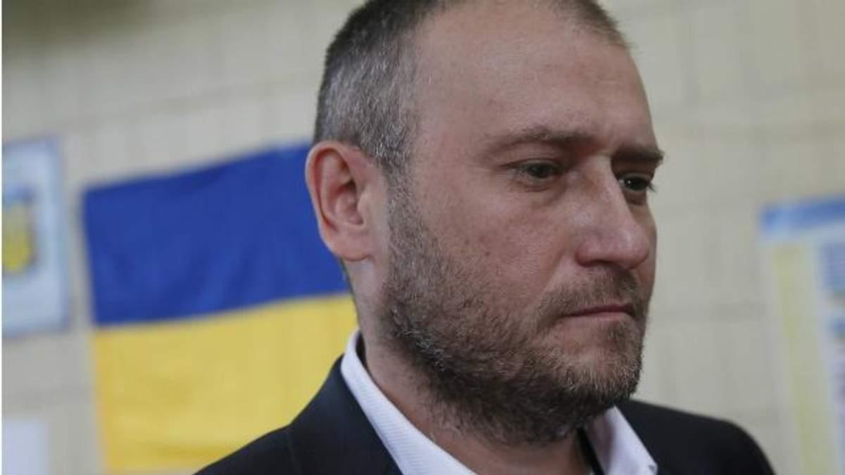 Стрілянина в Мукачевому: з Ярошем веде переговори Порошенко